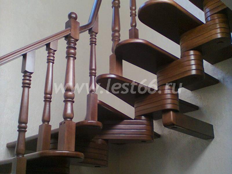 Стойки для лестниц, комбинированные металл дерево купить